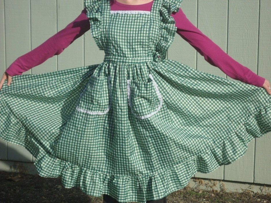 1950s Farm House  apron - green
